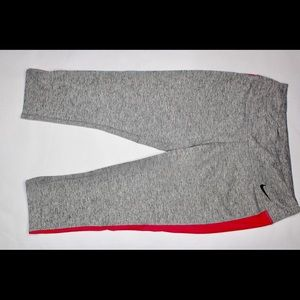 NWT Nike Dri Fit Womens Size Large 3/4 Pant